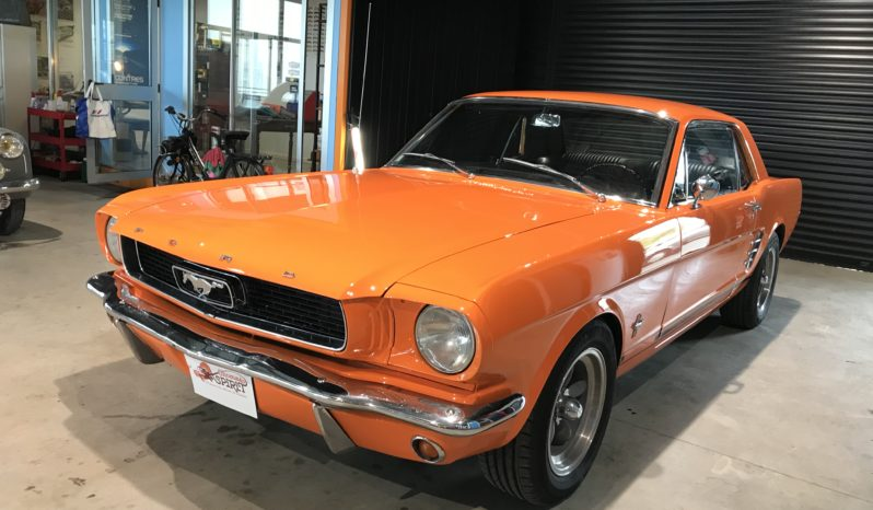 Ford Mustang orange mécanique full